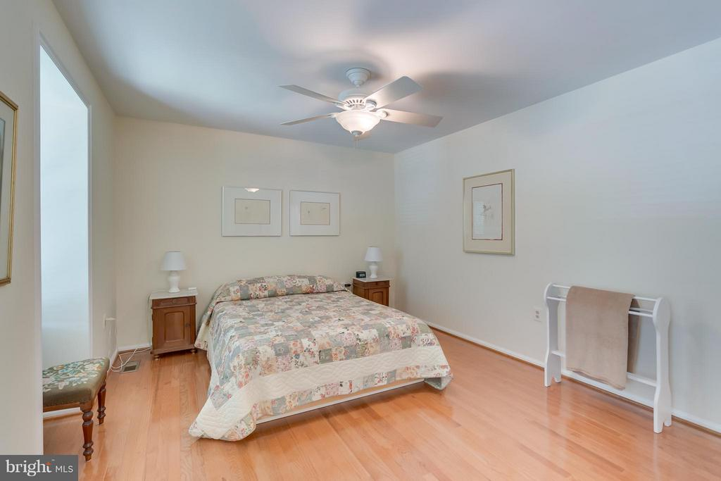 Bedroom (Master) 2 - 5620 BARRYMORE RD, CENTREVILLE