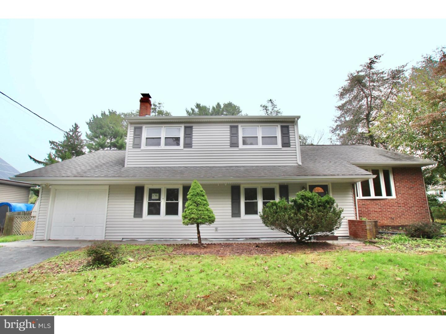 Single Family Home for Sale at 9 WINDSOR Drive West Windsor, New Jersey 08550 United StatesMunicipality: West Windsor Twp, West Windsor Twp