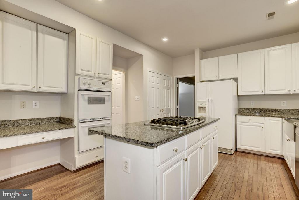 Kitchen - 20941 RUBLES MILL CT, ASHBURN