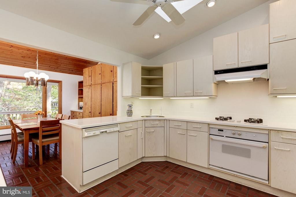 Kitchen has lots of work space - 7709 HAMILTON SPRING RD, BETHESDA