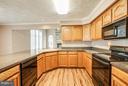 Kitchen - 6906 GOVERNORS GRANT LN, FREDERICKSBURG