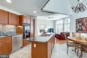 Newer SS appliances, double oven, backsplash - 11581 GREENWICH POINT RD, RESTON