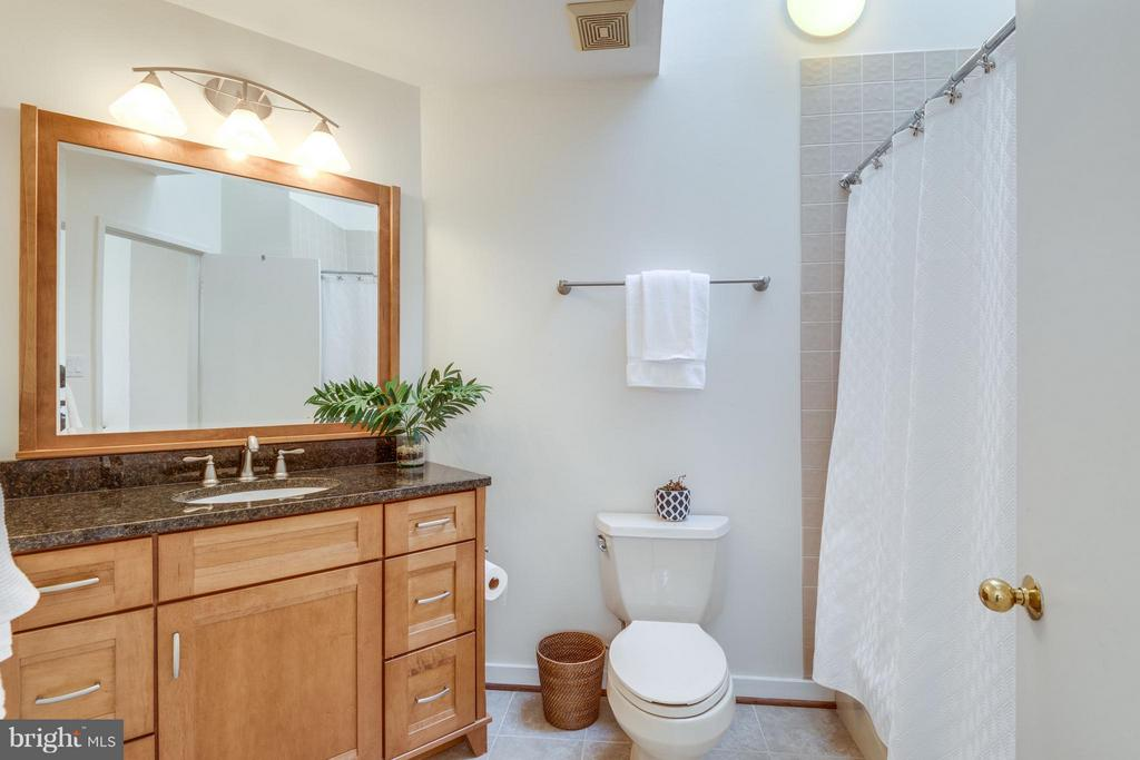 Renovated Hall Bath w/granite counters - 11581 GREENWICH POINT RD, RESTON