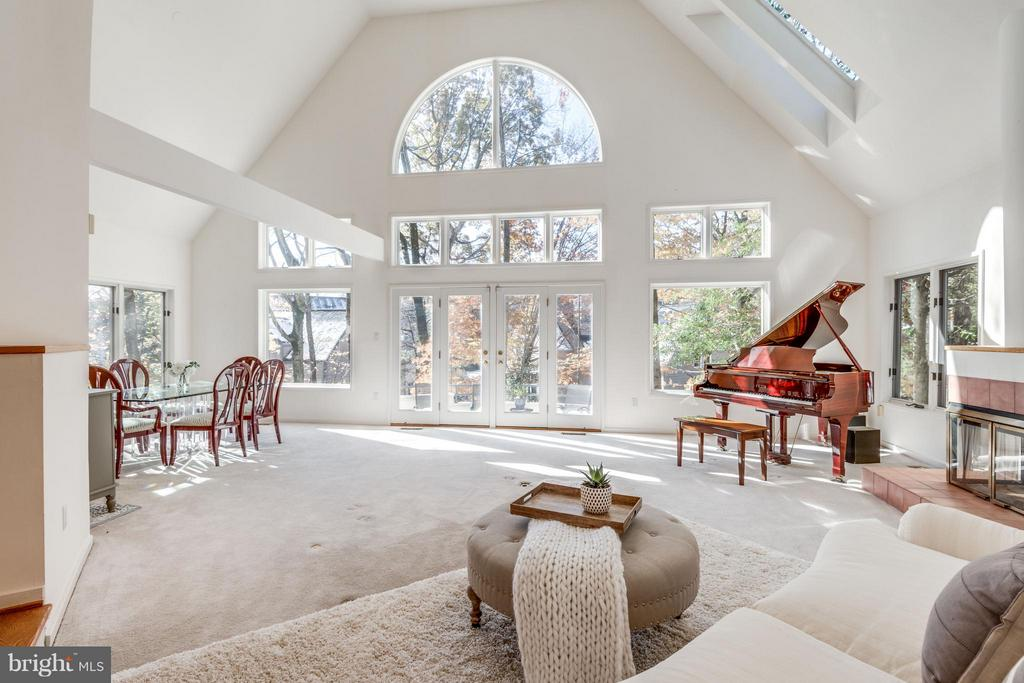 Great for entertaining! (see tour) - 11581 GREENWICH POINT RD, RESTON