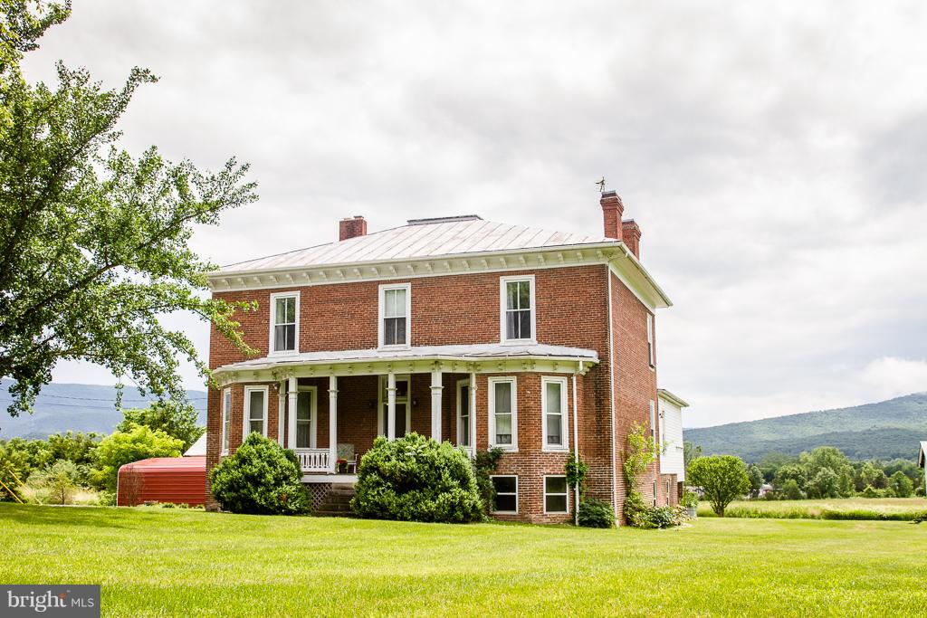 Single Family for Sale at 970 South Fork Rd Moorefield, West Virginia 26836 United States