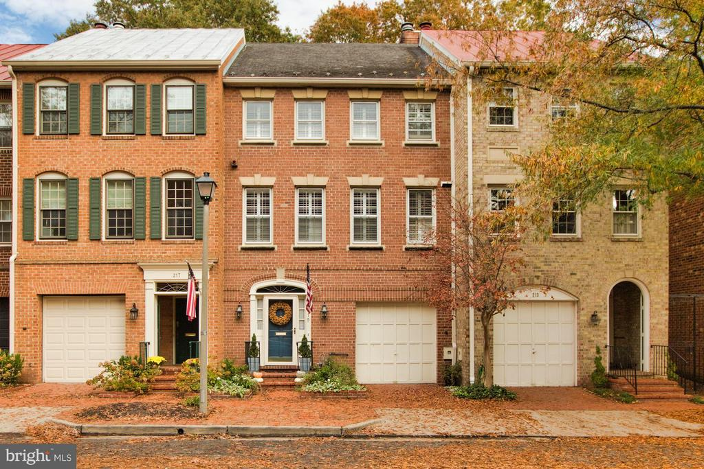 215  PRINCESS STREET, Alexandria, Virginia