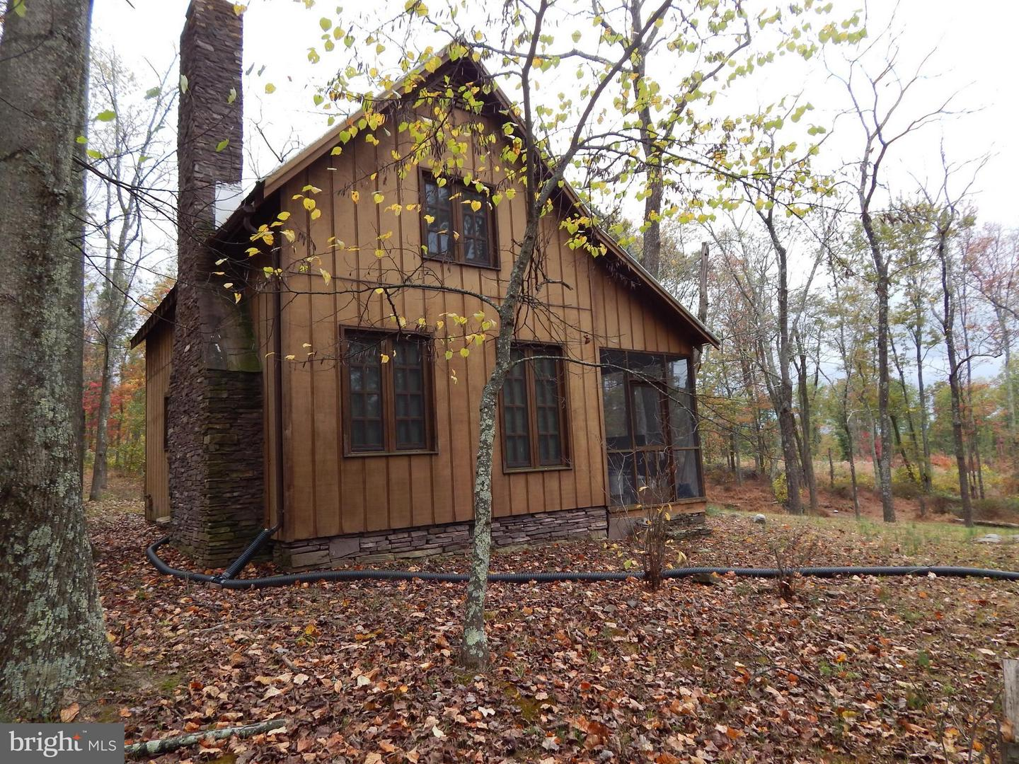 Single Family for Sale at 416 Jones Spring Trail Berkeley Springs, West Virginia 25411 United States