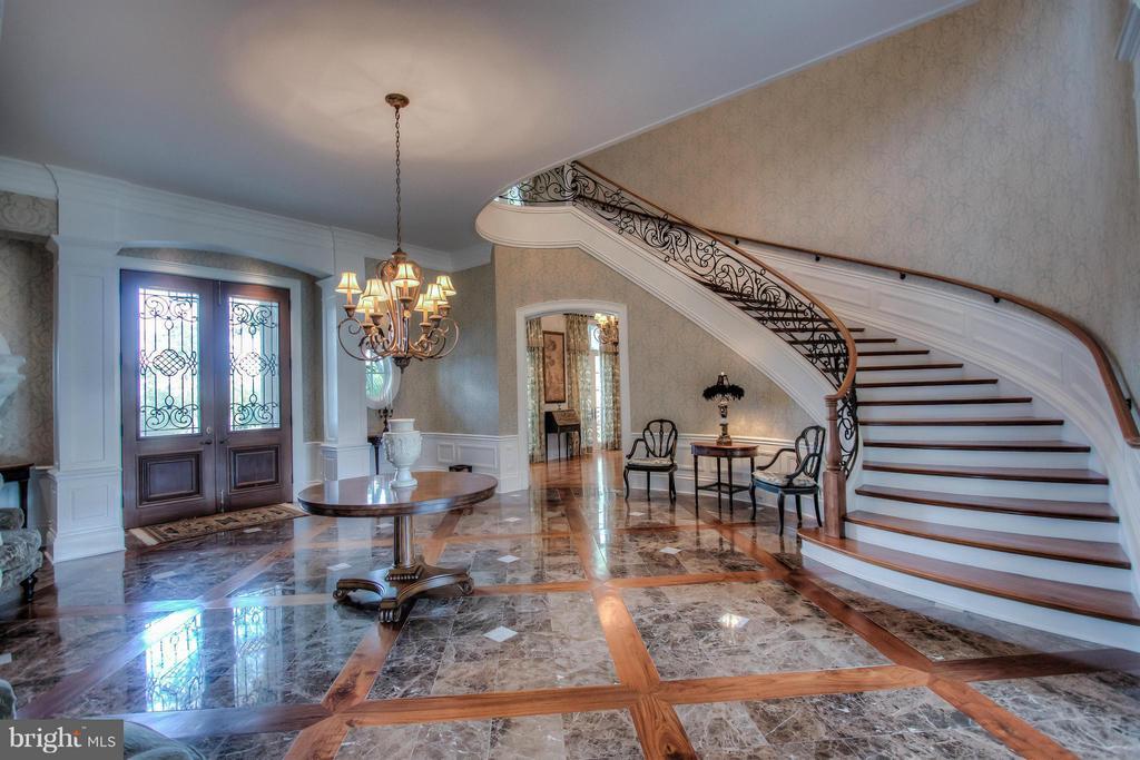 Foyer/Reception - 12410 COVE LN, HUME