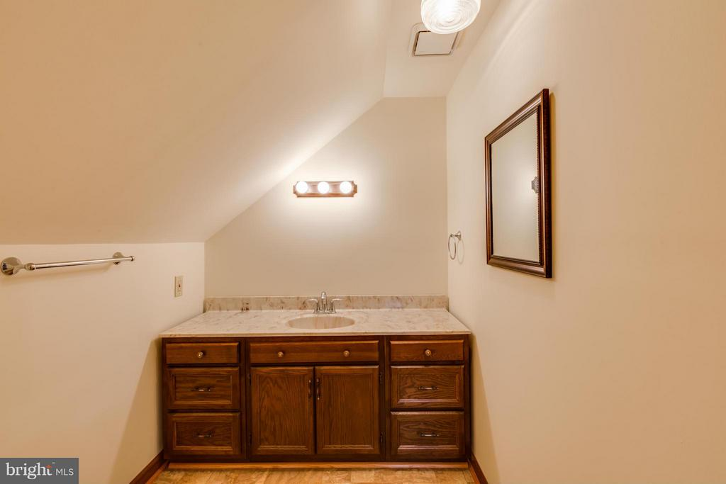 Upper level 1/2 Bath - 806 LITTLEPAGE ST, FREDERICKSBURG