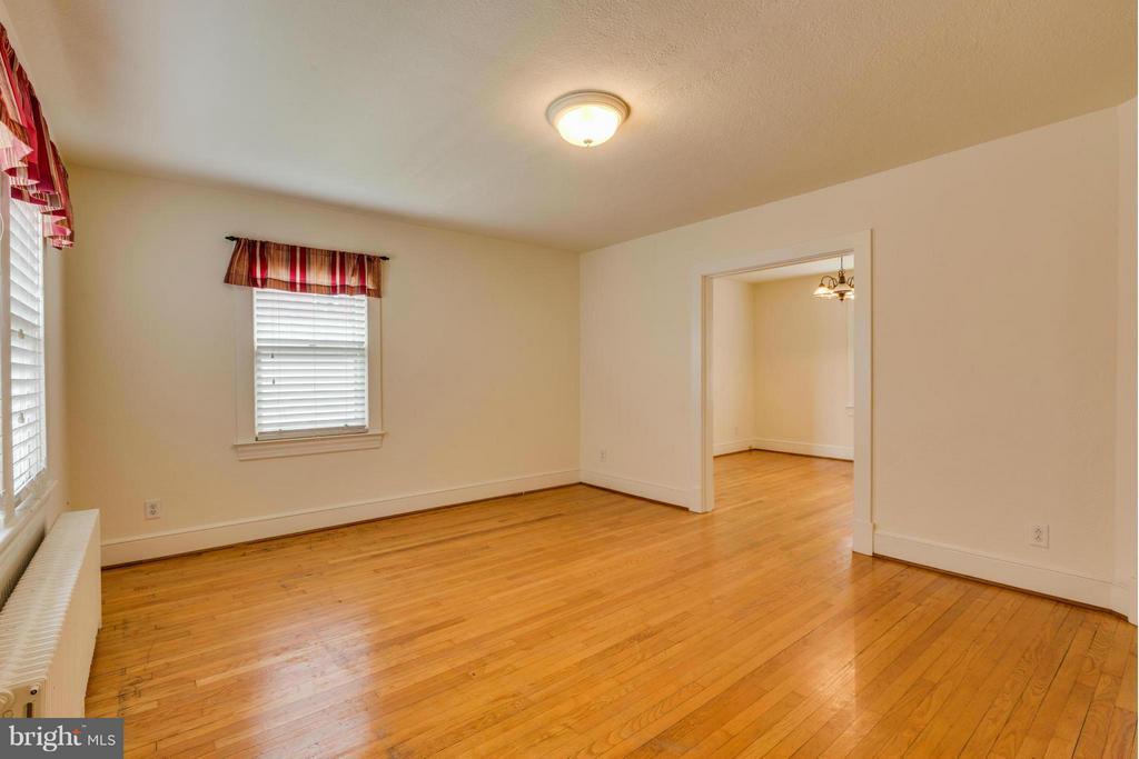 Living Room - 806 LITTLEPAGE ST, FREDERICKSBURG