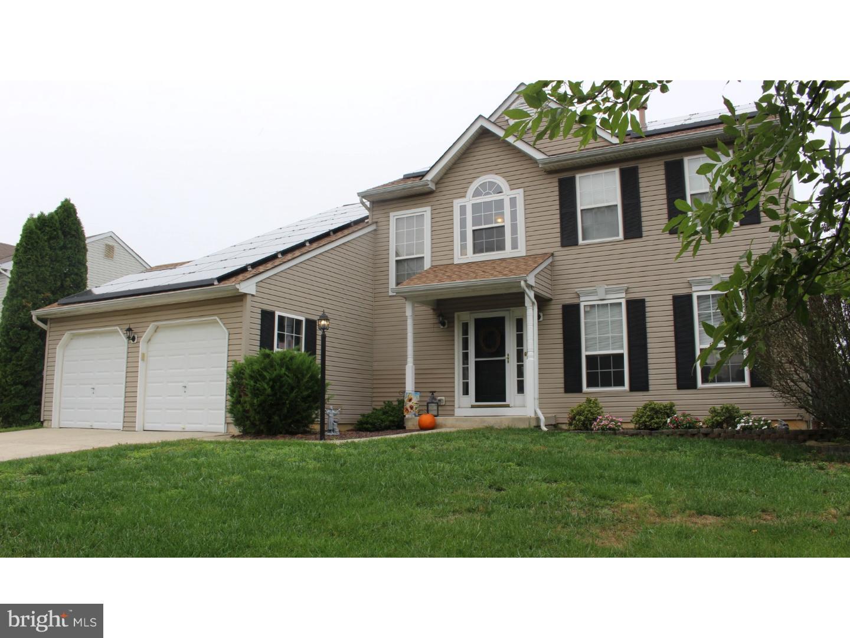 Nhà ở một gia đình vì Bán tại 447 MOORE BLVD Clayton, New Jersey 08312 Hoa Kỳ