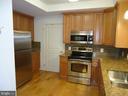 Updated Kitchen w/Stainless Appliances - 485 HARBOR SIDE ST #306, WOODBRIDGE