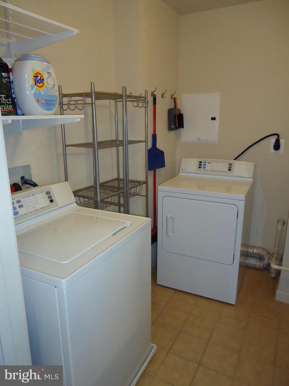 Laundry/Utility Room Near Kitchen - 485 HARBOR SIDE ST #306, WOODBRIDGE
