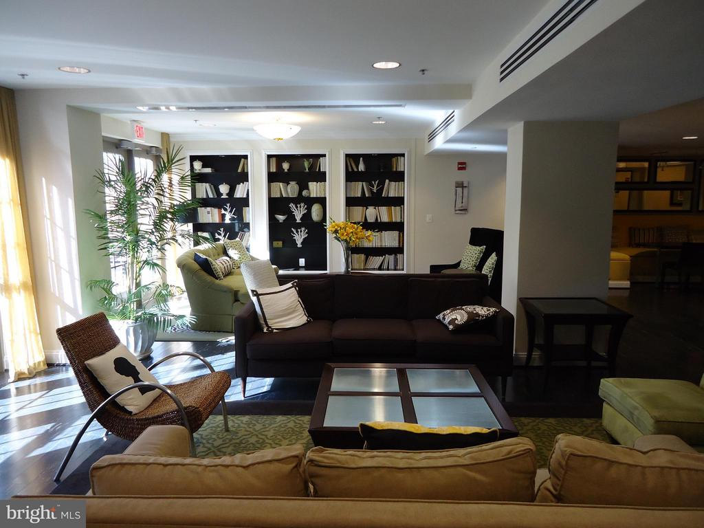Condo Community Meeting Rooms Available - View # 2 - 485 HARBOR SIDE ST #306, WOODBRIDGE