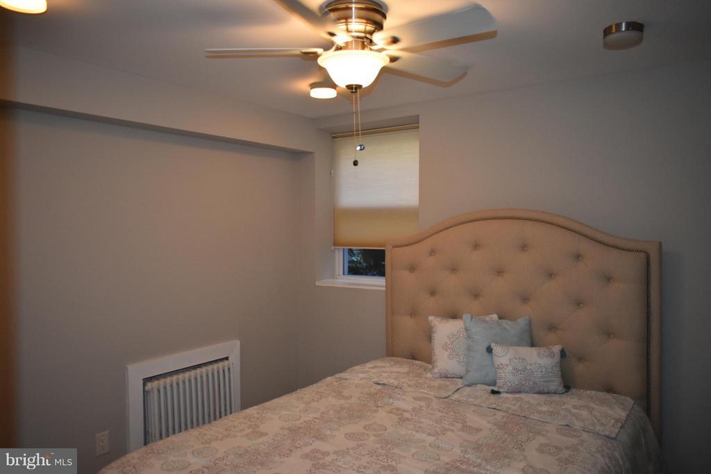 Bedroom, w/ New Ceiling Fan, - 2339 40TH PL S #001, WASHINGTON
