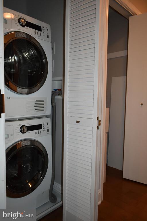 In Unit, Stacked Washer Dryer with Glass Viewing D - 2339 40TH PL S #001, WASHINGTON