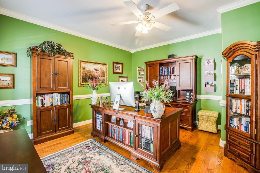 Main Level Office w/Hardwood Floors & Molding - 10519 WILDBROOKE CT, SPOTSYLVANIA