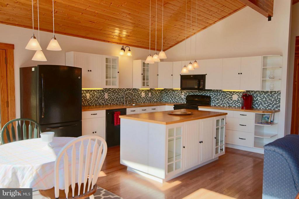 Kitchen - 1583 ROOT SWAMP RD, TAPPAHANNOCK