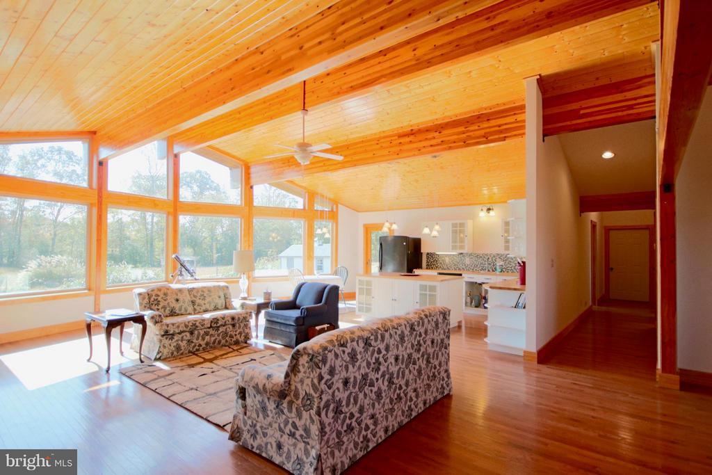 Living Room - 1583 ROOT SWAMP RD, TAPPAHANNOCK