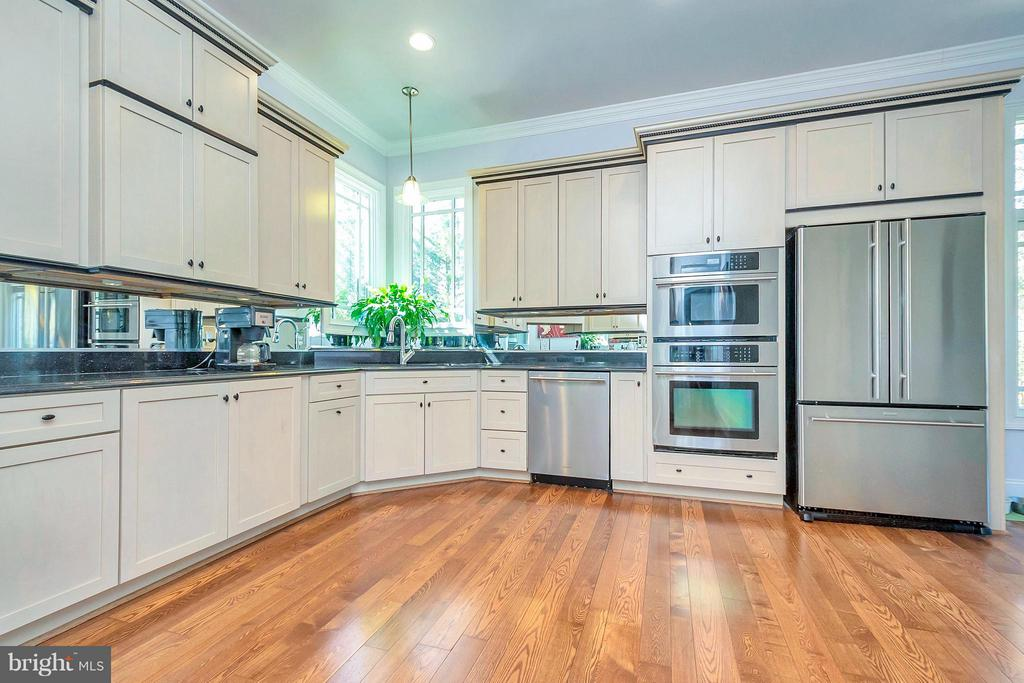 Open Kitchen with lots of Natural Light - 11801 FAWN LAKE PKWY, SPOTSYLVANIA