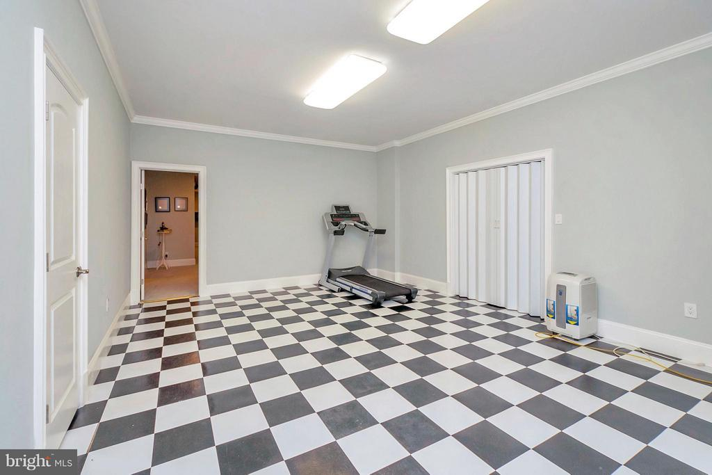 Great area for Game Room or Gym - 11801 FAWN LAKE PKWY, SPOTSYLVANIA