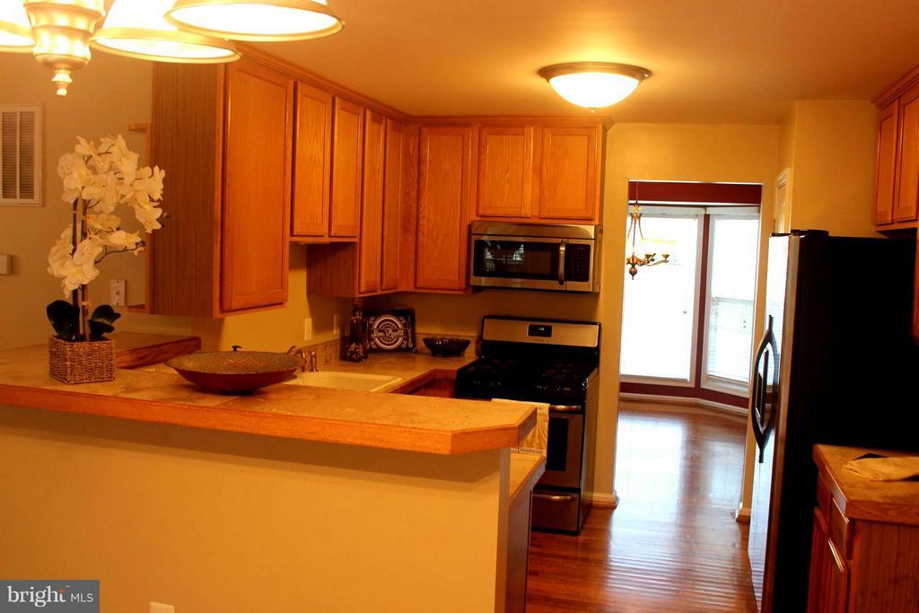 Kitchen - 7 PEACHY CT, STAFFORD