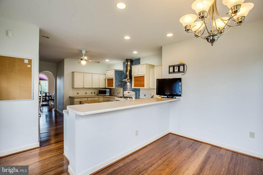 Kitchen - 8099 MEADOWLAND DR, LOCUST GROVE