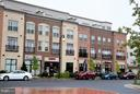 Shops, offices, restaurants - 19342 GARDNER VIEW SQ, LEESBURG