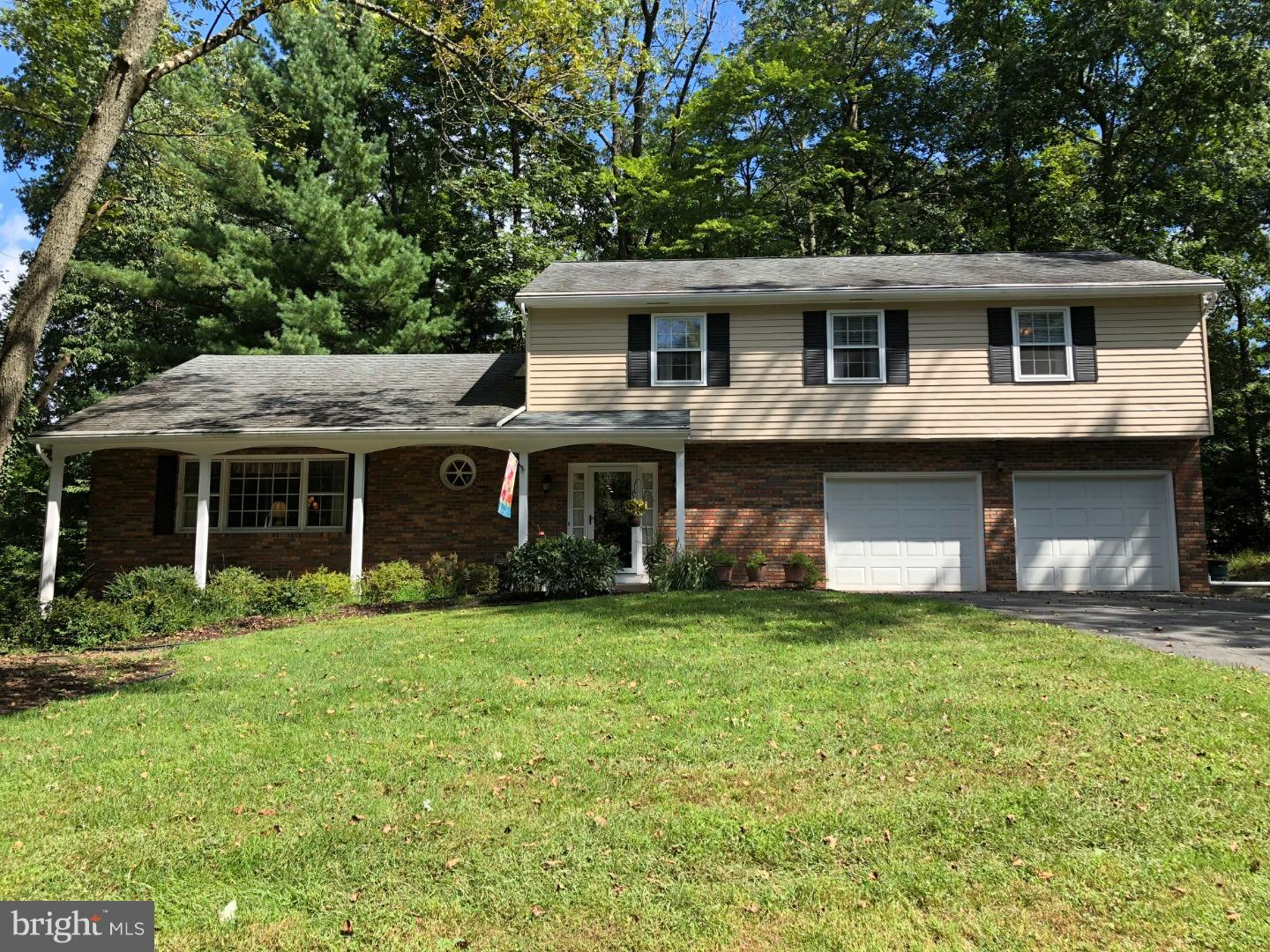 Single Family Home for Sale at 20 AQUETONG Lane Ewing, New Jersey 08628 United StatesMunicipality: Ewing Township