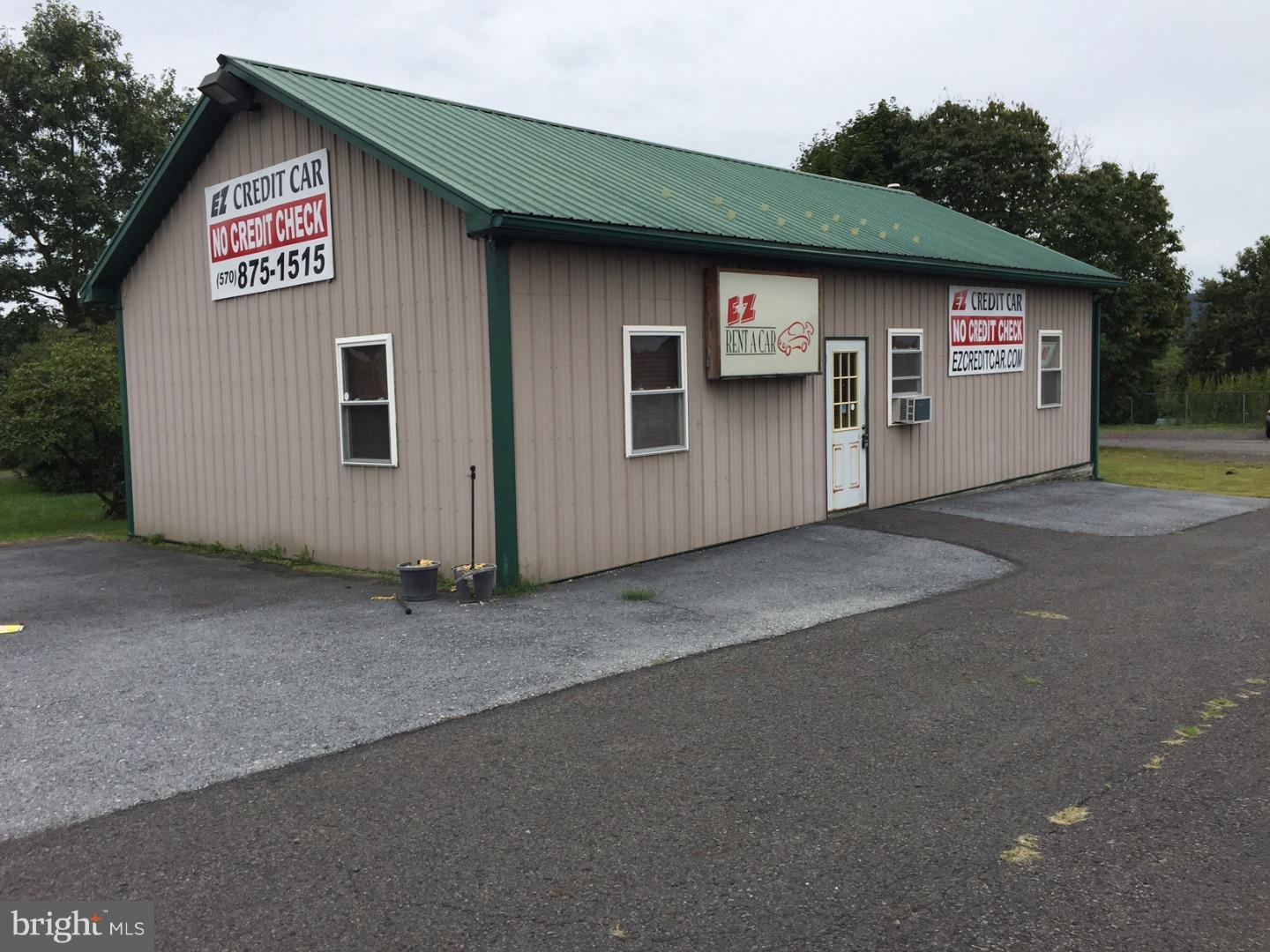 Retail for Sale at 376 MAIN Street Lavelle, Pennsylvania 17943 United States