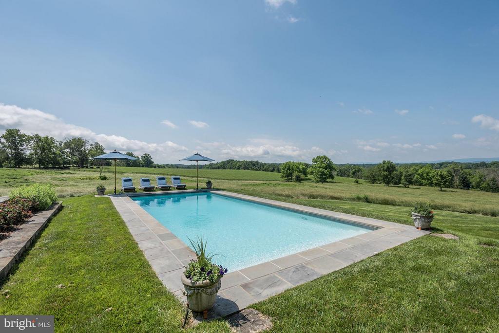 Beautiful views surround the pool - 21004 WILLISVILLE RD, BLUEMONT
