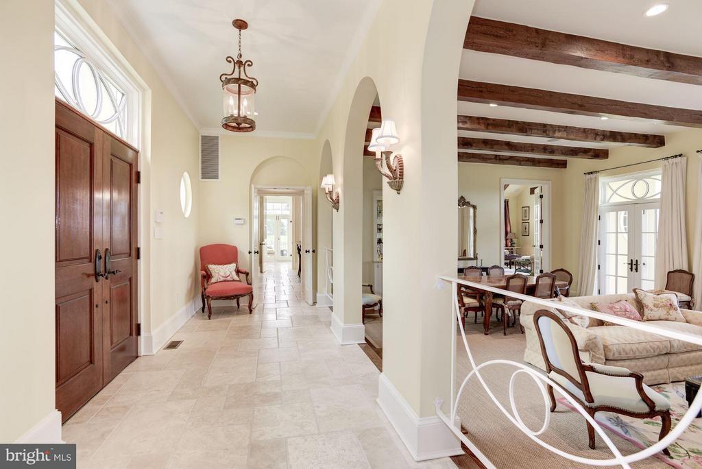 Foyer - 21004 WILLISVILLE RD, BLUEMONT