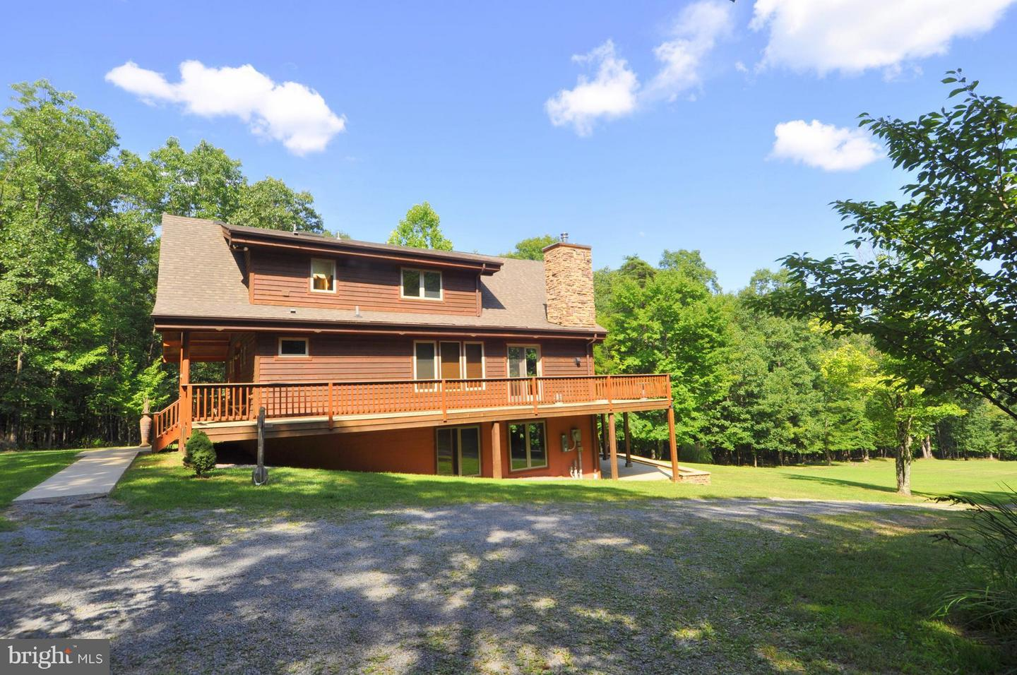 Single Family for Sale at 1352 Virginia Line Road Berkeley Springs, West Virginia 25411 United States