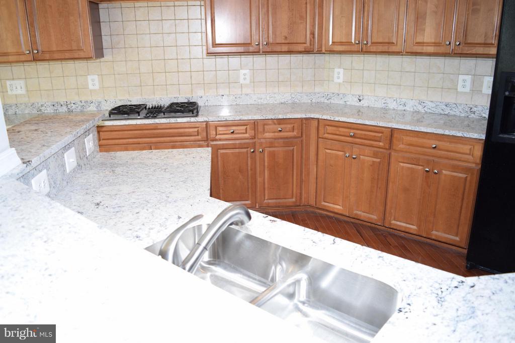 Kitchen - 43595 CARRADOC FARM TER, LEESBURG