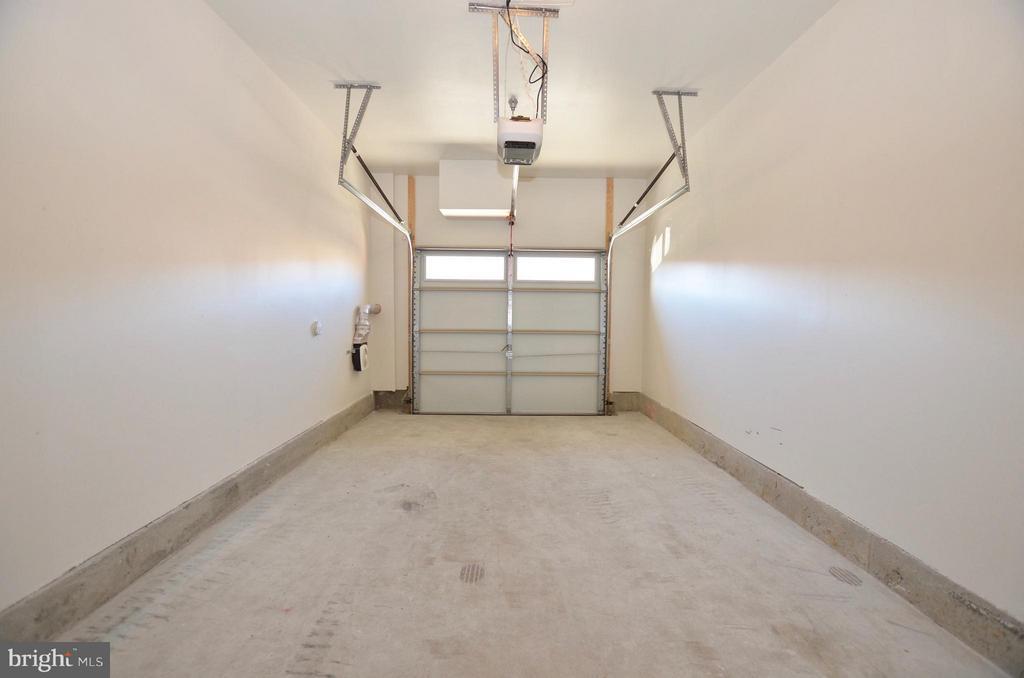 Garage - 1216 RIBBON LIMESTONE TER, LEESBURG