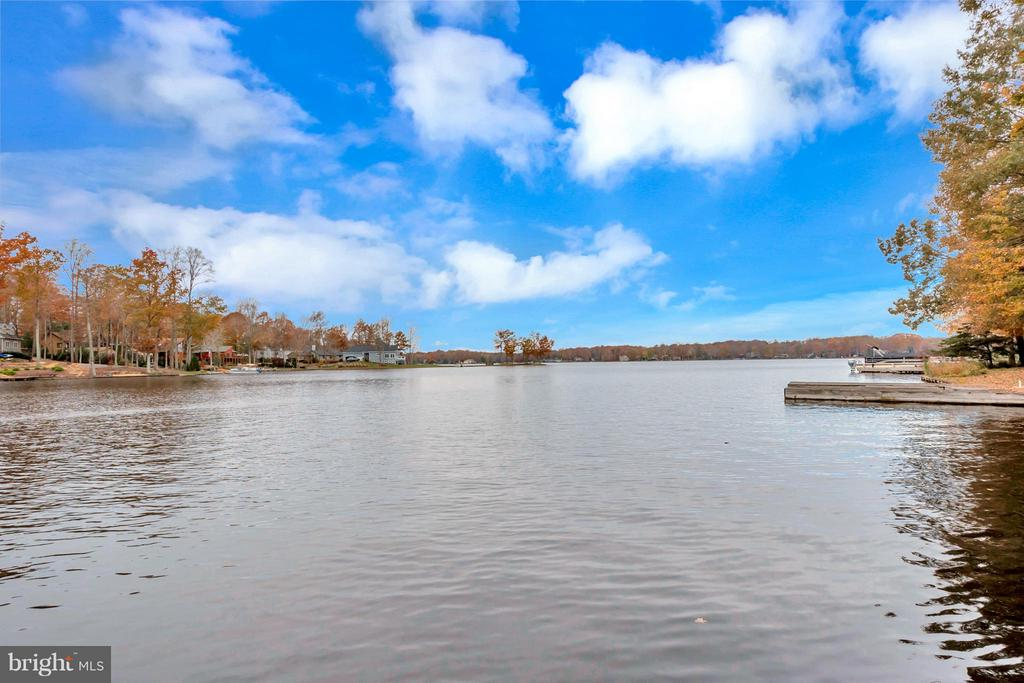 Amazing Views with 116ft shoreline - 212 MT PLEASANT DR, LOCUST GROVE