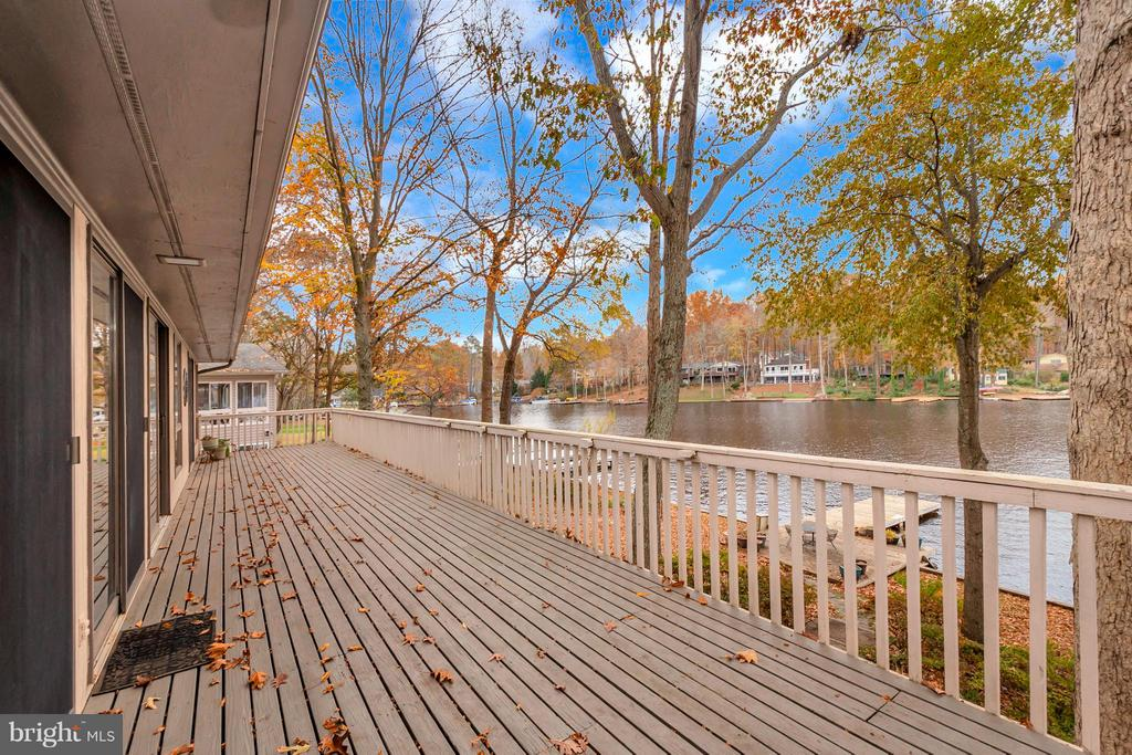 Wrap Around Deck VIEWS!!! - 212 MT PLEASANT DR, LOCUST GROVE