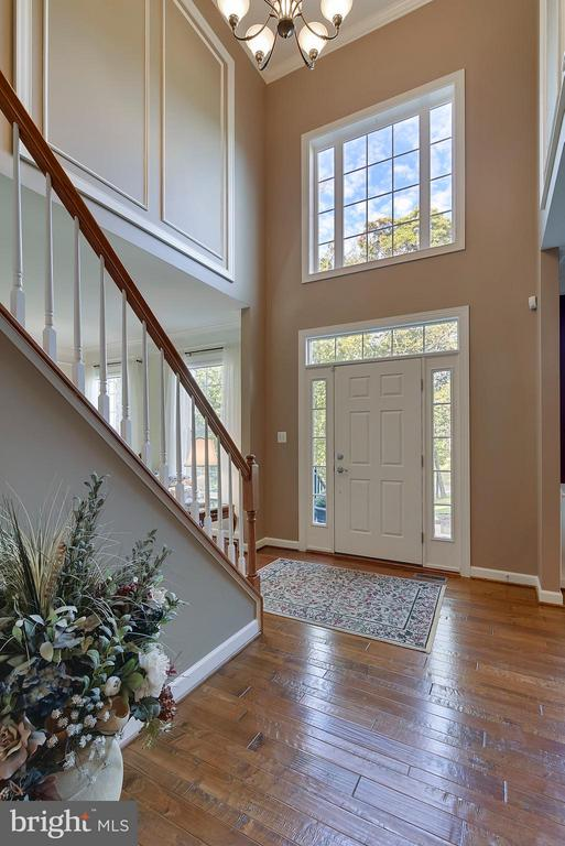 Two Story Entry Foyer - 17266 FLINT FARM DR, ROUND HILL