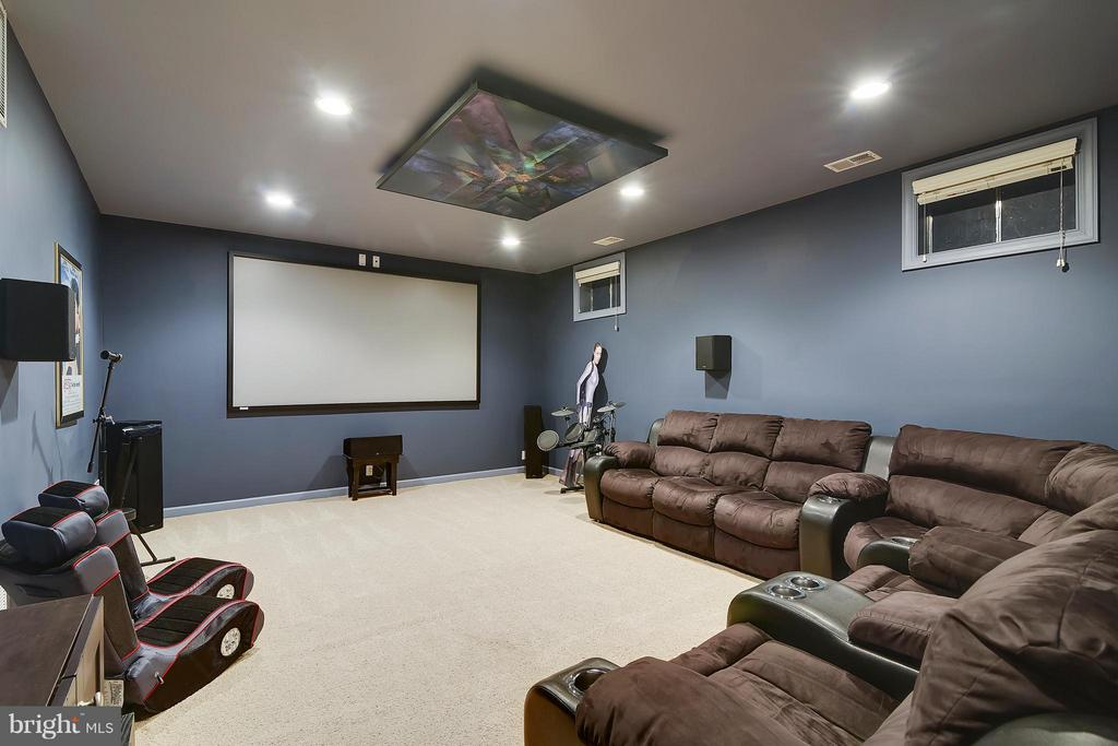 Lower Level Media Room - 17266 FLINT FARM DR, ROUND HILL