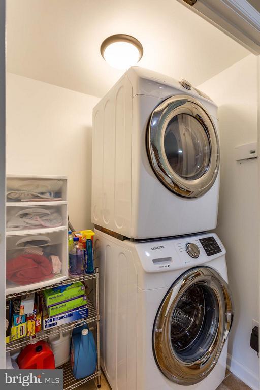 Front Load Energy Efficient Washer and Dryer - 12704 FANTASIA DR, HERNDON