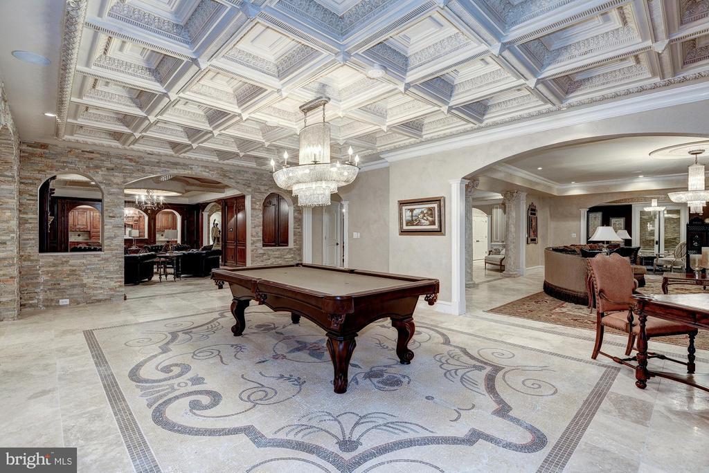 Billiards Room - 938 PEACOCK STATION RD, MCLEAN