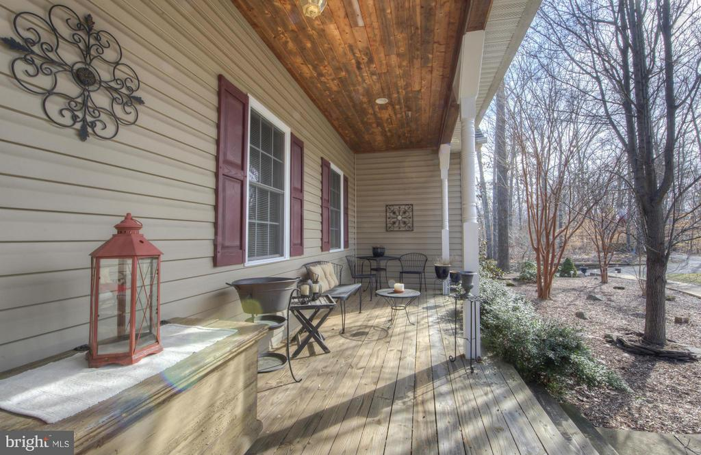Enjoy  the view from your custom front veranda... - 254 SPOTTED TAVERN RD, FREDERICKSBURG