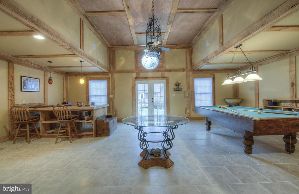 Retreat Lodge, Party Barn, Unique and Awesome! - 254 SPOTTED TAVERN RD, FREDERICKSBURG