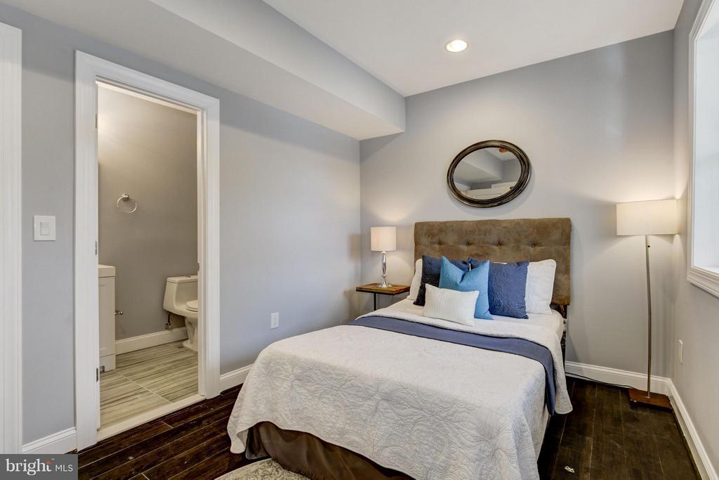 Bedroom (Master) - 1725 TRINIDAD AVE NE #2, WASHINGTON