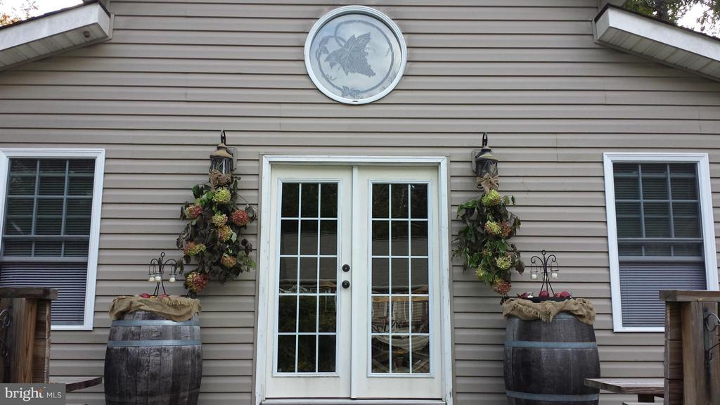 A wonderful place to welcome  family and friend. - 254 SPOTTED TAVERN RD, FREDERICKSBURG