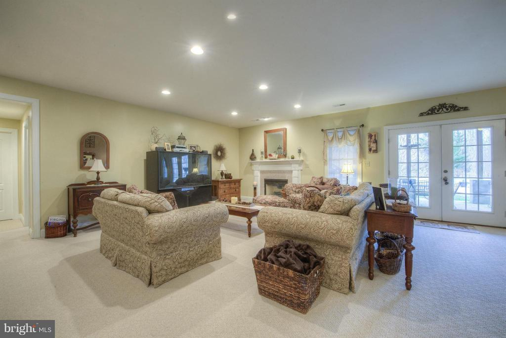 Bright and airy room for fun and games. - 254 SPOTTED TAVERN RD, FREDERICKSBURG