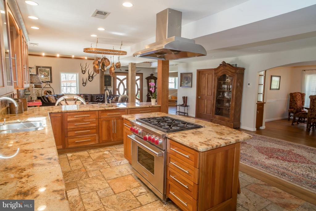 Kitchen - 38699 OLD WHEATLAND RD, WATERFORD
