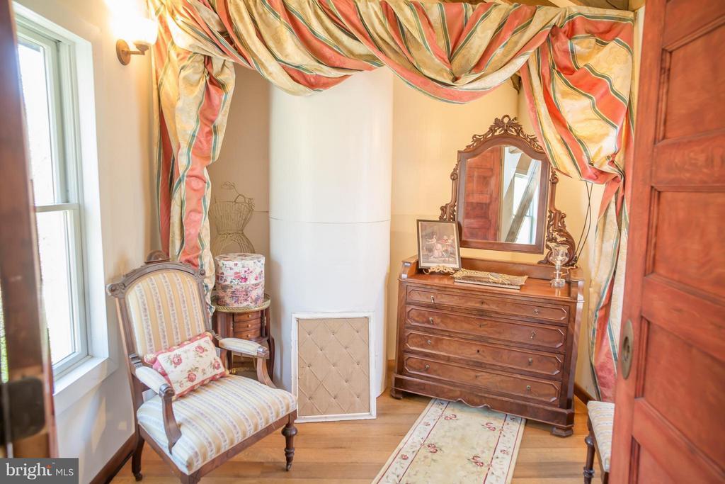 Bedroom (Master) - 38699 OLD WHEATLAND RD, WATERFORD