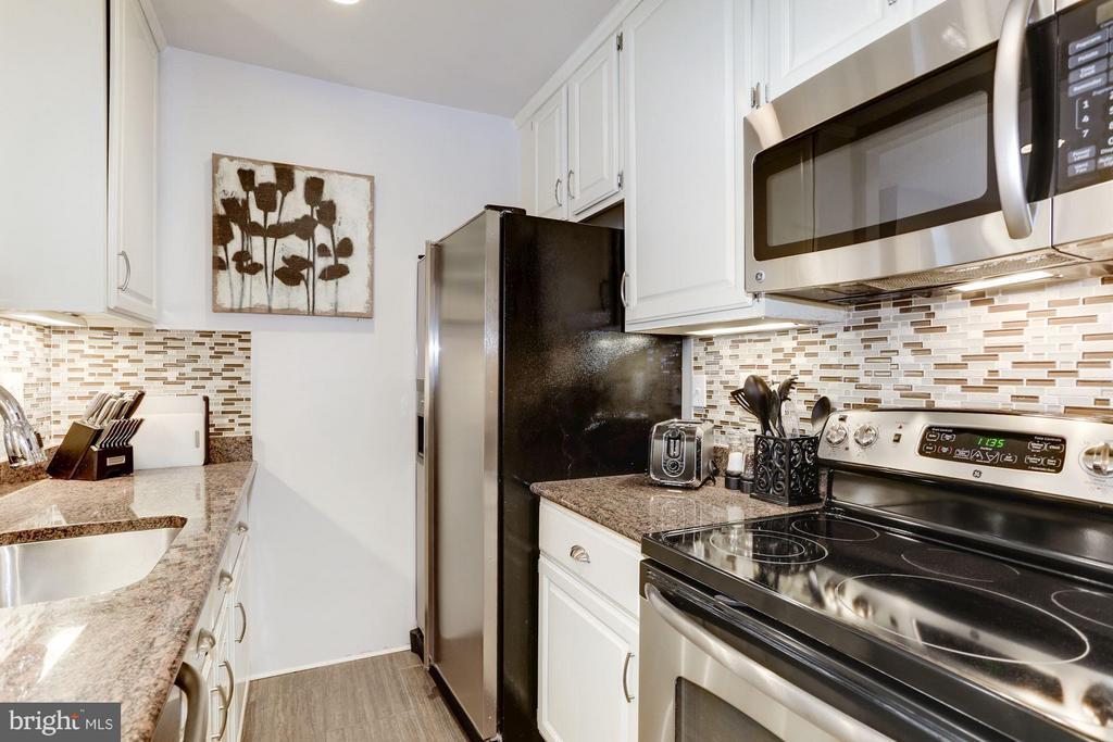 Kitchen - 2022 N ST NW, WASHINGTON