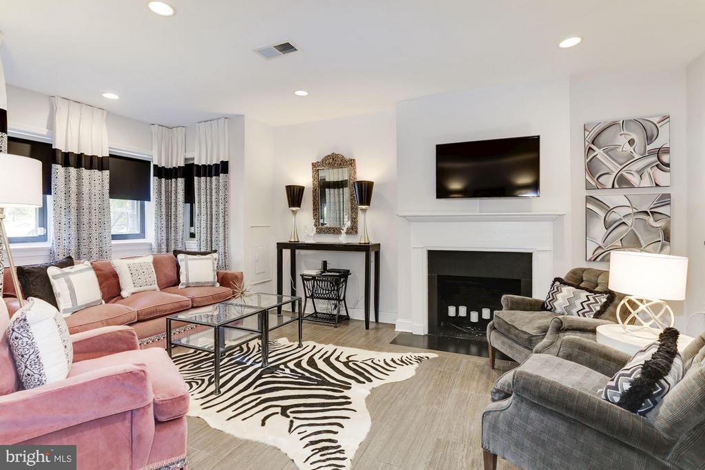 Living Room - 2022 N ST NW, WASHINGTON